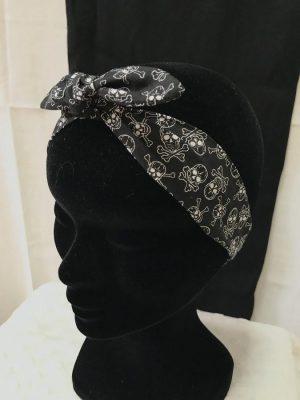Bandeau à nouer accessoires cheveux noeud papillon fait main noir motif tête de mort blanc