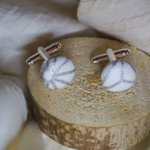 Boutons de manchettes accessoires de mode blanc motifs géométriques argent
