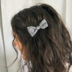 Barrette noeud papillon accessoire cheveux fait main noir gris