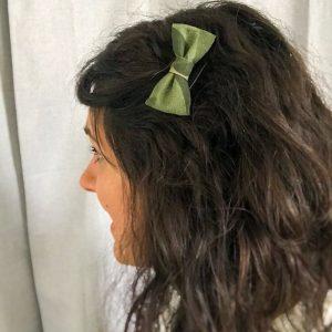 Barrette noeud papillon accessoire cheveux kaki motif camouflage militaire