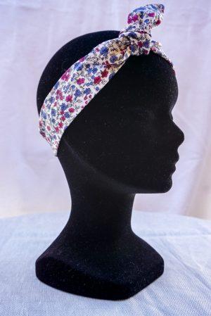 Bandeau à nouer noeud papillon fait main blanc motif fleurs rose et bleu