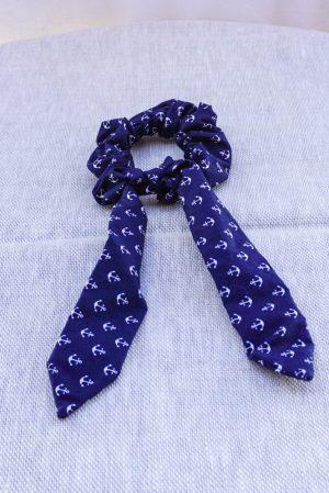 Foulchie accessoire cheveux fait main bleu marine et blanc motif ancres