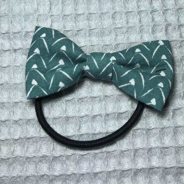 Élastique cheveux noeud papillon vert et blanc fait main